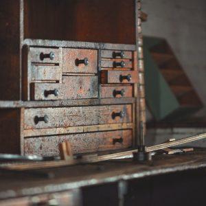 older tool box